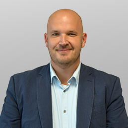 Contact met Peter Bakker, Account Manager bij BAS Truck Center